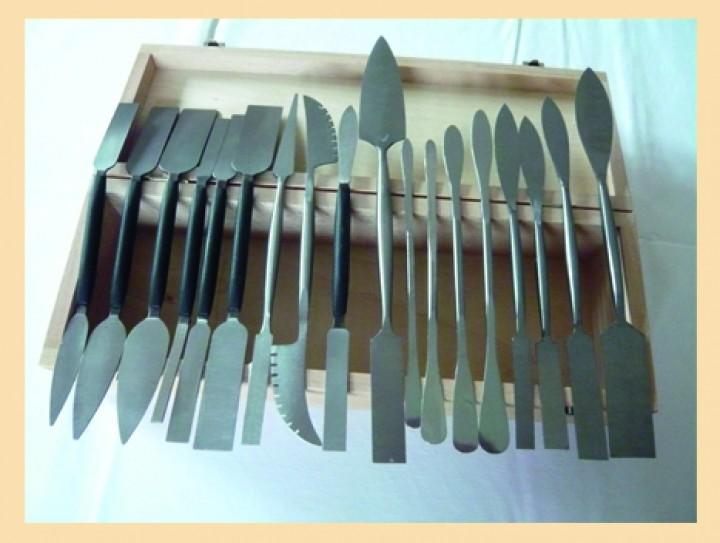 Stuck werkzeugsatz 18 tlg in holzkassette stuck shop - Stuck dekor hardt ...