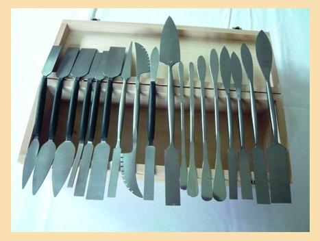 Stuck-Werkzeugsatz 18-tlg. in Holzkassette